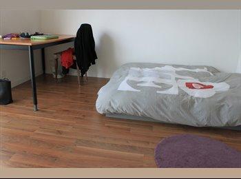 EasyWG CH - Chambre meublée en colocation à Yverdon, Gros de Vaud - 680 CHF / Mois