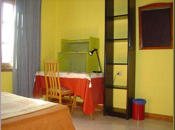 EasyPiso ES - Habitación en Playa Honda, Lanzarote - 300 € por mes