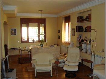 EasyPiso ES - Se alquila habitacion en casa con jardin centrica, Tarragona - 270 € por mes