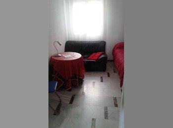 EasyPiso ES - Habitación  en Plaza Colón (centro), Córdoba - 280 € por mes