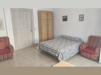 EasyPiso ES - Apartamento de estudiantes en Puerta del Carmen, Zaragoza - 180 € por mes