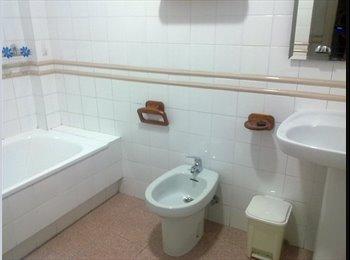 EasyPiso ES - Habitación disponible, piso muy céntrico, Valladolid - 340 € por mes