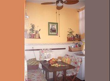 EasyPiso ES - Ofrezco una habitación en mi casa para chicas, Alicante - 300 € por mes