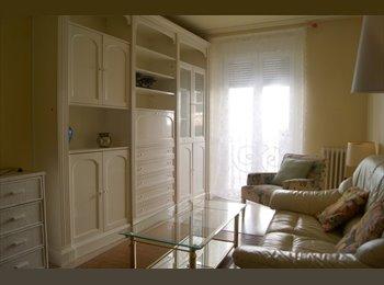 EasyPiso ES - Habitación piso compartido sólo Julio y Agosto, Valladolid - 380 € por mes