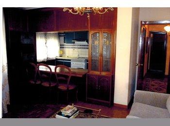 EasyPiso ES - Piso de tres habitaciones en la zona vieja, Oviedo - 200 € por mes
