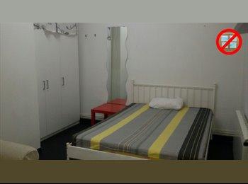 EasyPiso ES - CITY CENTER LATINA ROOM 4, Centro Ciudad - 310 € por mes
