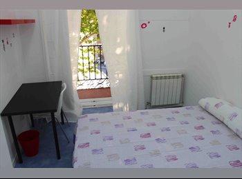 EasyPiso ES - CITY CENTER LATINA B ROOM 8, Centro Ciudad - 450 € por mes