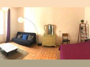 EasyPiso ES - Se alquila habitación doble en LA RAMBLA, al lado de Pza. Cataluña, Barcelona - 700 € por mes