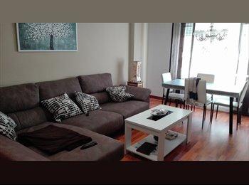 EasyPiso ES - Habitación con cama doble en piso recien reformado, Valencia - 300 € por mes