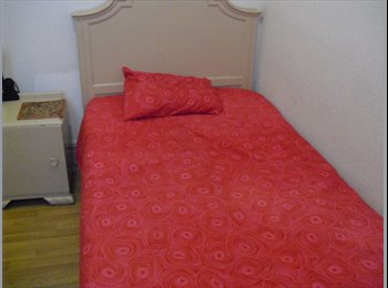 EasyPiso ES - WODERFUL ROOM WITH A PRIVATE LIVING AREA , Salamanca - 450 € por mes