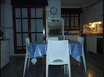 EasyPiso ES - Piso en Lleida 4 habitaciones., Lleida - 250 € por mes