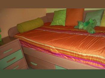 EasyPiso ES - Buscamo CHICA para compartir piso, Lleida - 250 € por mes