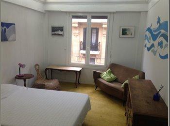 EasyPiso ES - Room rent  in a big apartment very well located, San Sebastián - 900 € por mes