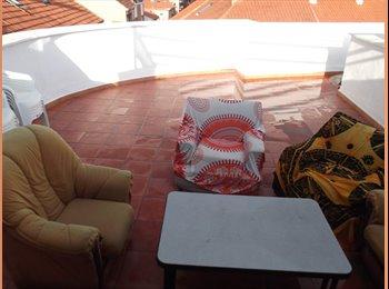 EasyPiso ES - Triplex con terraza en la azotea y habitación amplia, Fuencarral - 350 € por mes