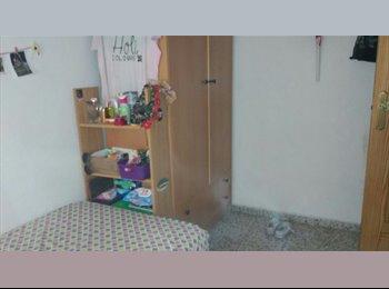 EasyPiso ES - Habitación con ventana al exterior, Granada - 150 € por mes
