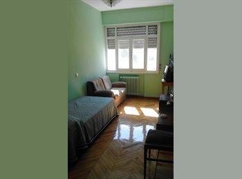 EasyPiso ES - Buscamos compañera de piso, Burgos - 210 € por mes