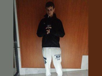 EasyPiso ES - Ivan - 22 - Lleida