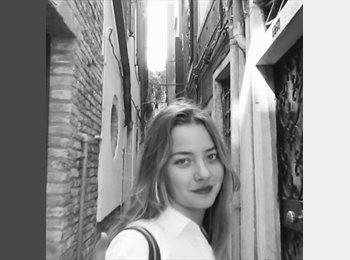 EasyPiso ES - Nicole - 22 - Valencia