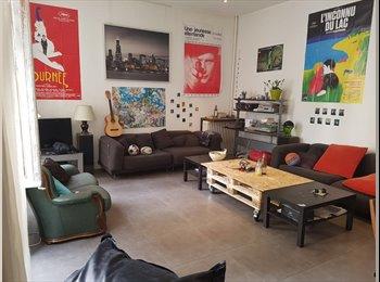 Appartager FR - Rare grand appartement en centre ville, Marseille - 415 € /Mois