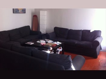 Appartager FR - Rare grand appartement en centre ville, Marseille - 510 € /Mois