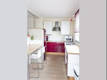 Appartager FR - 2 CHAMBRES SUR 4 STANDING - Lille Vauban, Lille - 440 € /Mois