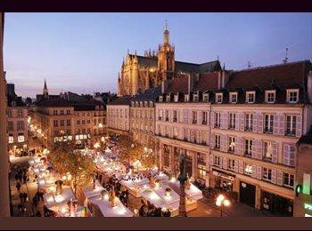 Appartager FR - Une nouvelle coloc en l'hyper centre ville !!, Metz - 300 € /Mois
