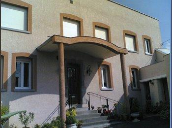 Appartager FR - Chambre meublée, Aulnoy-lez-Valenciennes - 290 € /Mois