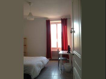 Appartager FR - Appartement neuf pour non fumeur en centre ville, Nice - 450 € /Mois