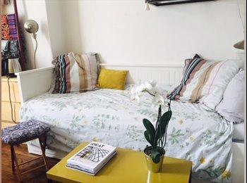 Appartager FR - Bedroom in a nice flat, Paris 17th, 17ème Arrondissement - 950 € /Mois