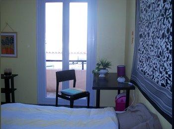 Appartager FR - chantal,celibataire loue grande chambre meublee ,,, Perpignan - 360 € /Mois