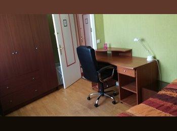 Appartager FR - Colocation trois chambres pour étudiant(e)s, Nantes - 470 € /Mois