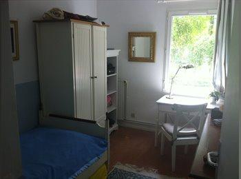 Appartager FR - Cherche une colocataire, Levallois-Perret - 750 € /Mois