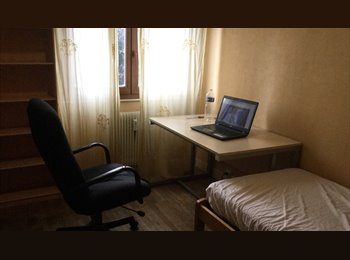 Appartager FR -  chambre meublée-colocation centre ville., Chambéry - 370 € /Mois