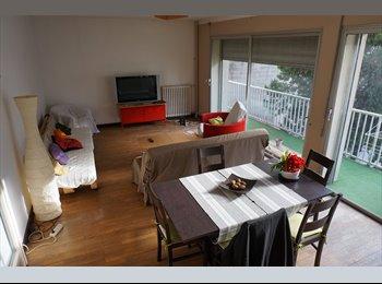 Appartager FR - Chambre avec salle d'eau et balcon., Valence - 425 € /Mois