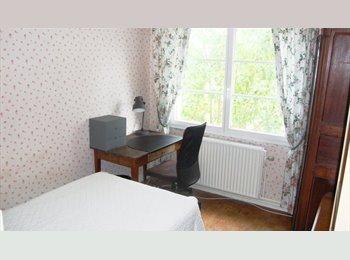 Appartager FR - Chambre proche de Bordeaux , Ambarès-et-Lagrave - 330 € /Mois