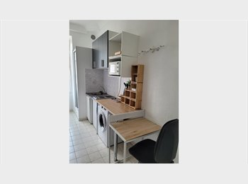 Appartager FR - Studette meublée hyper centre dans jardin, idéal étudiants , Nice - 450 € /Mois