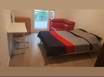 Appartager FR - Chambre à louer, Viry-Châtillon - 400 € /Mois