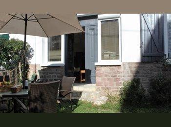 Appartager FR - Biarritz plage et centre ville à pied appartement avec jardin, Biarritz - 250 € /Mois