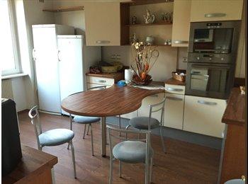 Appartager FR - chambre pour FEMME dans Maison avec jardin frontière coté Fr Marspich, Serémange-Erzange - 280 € /Mois
