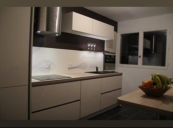 Appartager FR - Grande colocation tout confort. 3 Chambres libres à partir d'Avril/Mai; Reservez !!, Quimper - 325 € /Mois