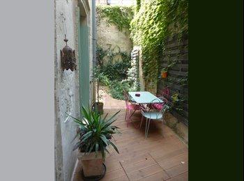 Appartager FR - Chambre 10m² dans T2 meublé + cour privée (Avignon IM), Avignon - 340 € /Mois