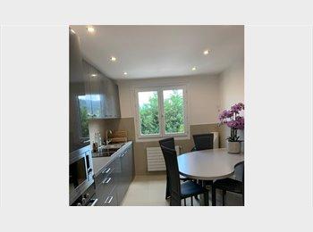 Appartager FR - chambres en colocation . de septembre à juin, Cran-Gevrier - 480 € /Mois