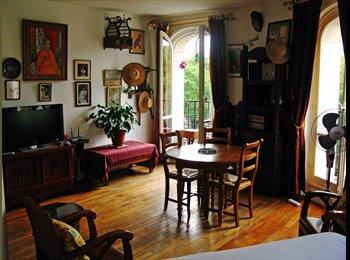 Appartager FR - Appartement montmartrois atypique, 17ème Arrondissement - 1200 € /Mois
