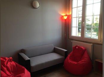 Appartager FR - Chambres privées équipées wifi, Lescure-d'Albigeois - 350 € /Mois