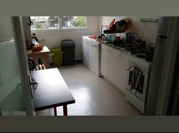 Appartager FR - Chambres libres A partir du 3 juillet, 18ème Arrondissement - 850 € /Mois