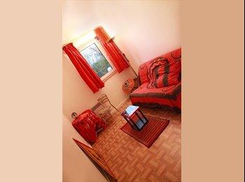 Appartager FR - Bel appartement 3 chambres, Le Kremlin-Bicêtre - 550 € /Mois