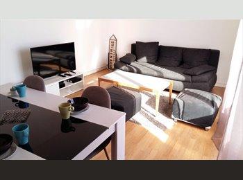 Appartager FR - Chambre meublée 320 TTC en face arrêt bus Pont des Cras, Besançon - 320 € /Mois