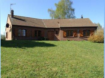 Appartager FR - Maison en campagne avec jardin et garages, Valenciennes - 400 € /Mois