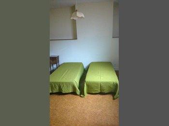 Appartager FR - T1 de 45 m2 avec salle de bain , Tours - 560 € /Mois