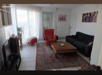 Appartager FR - maison refaite à neuf proche plage, Dunkerque - 300 € /Mois